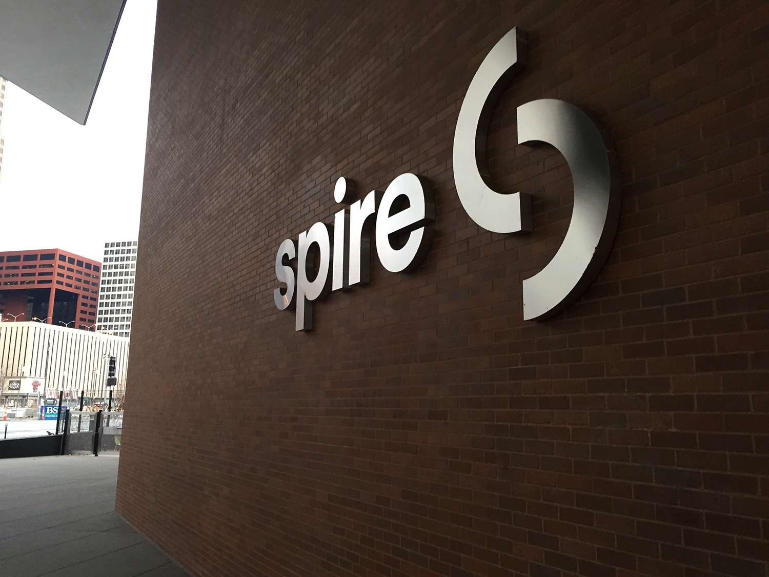 Spire Natural Gas Logo, Matthijs Matt van Leeuwen, Matt King, Mike Knaggs, Interbrand