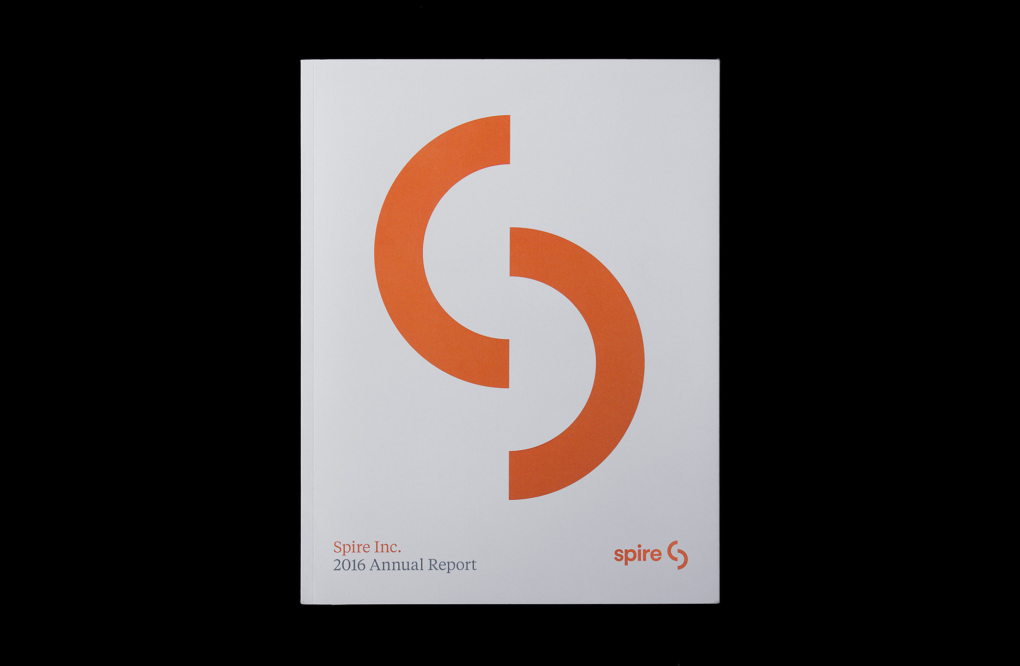 Spire Natural Gas Logo, Matthijs Matt van Leeuwen, Matt King, Mike Knaggs, Spire Annual Report